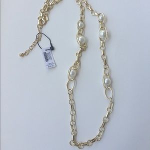 WHBM Oval Gold Link & Glass Pearl Necklace - NWT